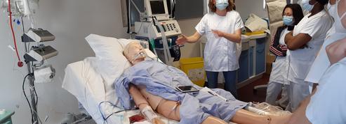À Montreuil, les étudiants en soins infirmiers se préparent en urgence à rejoindre les services de réa