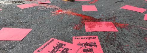 Birmanie : plus de 700 civils tués depuis le putsch