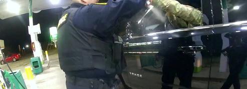 États-Unis: un policier licencié après l'interpellation musclée d'un militaire noir