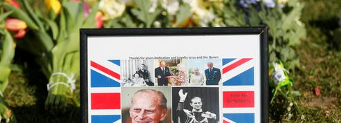 La famille royale et les Anglais font leurs adieux au prince Philip