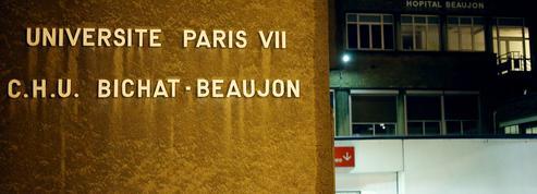 Hôpitaux: rassemblement devant l'AP-HP contre la fusion des hôpitaux Bichat et Beaujon