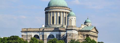 Une «capsule temporelle» a traversé les âges, cachée au sommet de la cathédrale d'Esztergom