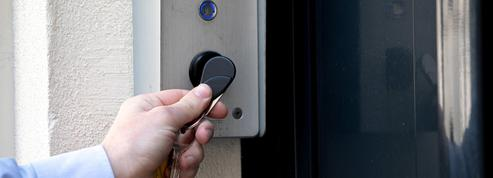 Paris : ces trafiquants de badges d'accès aux immeubles qui fournissaient des cambrioleurs