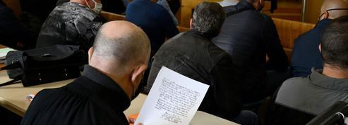 Procès de la BAC Nord de Marseille: jusqu'à 6 mois de prison ferme requis contre les 18 policiers