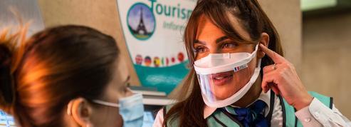 Paris : la RATP expérimente des masques transparents à la station de RER Luxembourg