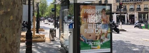 Paris : un trottoir transformé en parcours d'obstacles