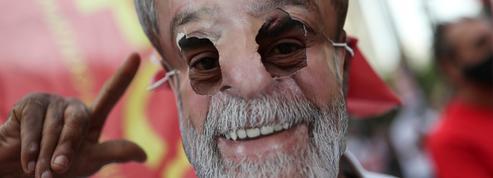 Brésil: un sondage voit Lula largement devant Bolsonaro à la présidentielle 2022