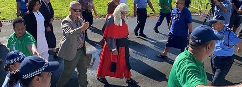 Samoa : la nouvelle première ministre «investie» lors d'une cérémonie improvisée à l'extérieur du Parlement