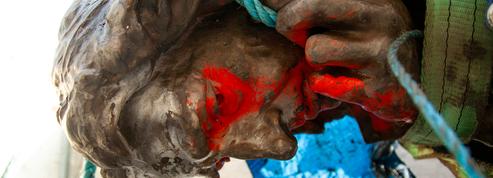 Le sort de la statue d'Edward Colston déboulonnée en 2020 entre les mains des habitants de Bristol