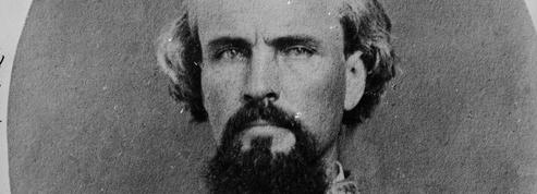 Aux États-Unis, les restes du premier «Grand sorcier» du Ku Klux Klan transférés dans un musée confédéré