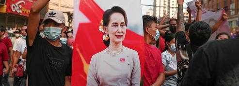 Birmanie: ouverture du premier procès contre Aung San Suu Kyi