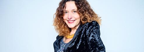 Constance Joly reçoit le prix Orange du livre pour Over the Rainbow