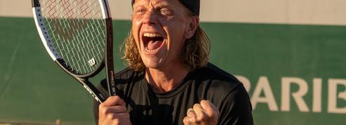5e Set :jeu, set et match pour Alex Lutz en joueur de tennis tourmenté