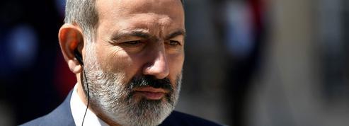 Arménie: 20.000 partisans du premier ministre réunis avant le vote de dimanche