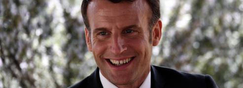 «Ça va la claque que tu t'es prise ?» : Macron interpellé par un enfant dans une école