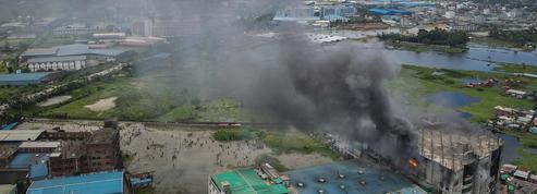 Incendie dans une usine au Bangladesh: au moins 50 morts