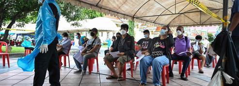 Covid-19 : en Thaïlande, des restrictions renforcées et un couvre-feu à Bangkok