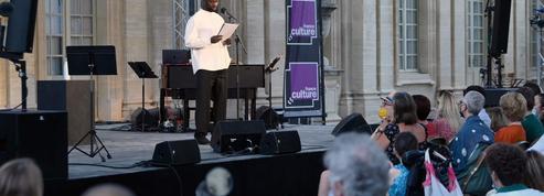 Omar Sy en superstar inattendue au festival d'Avignon le temps d'une lecture