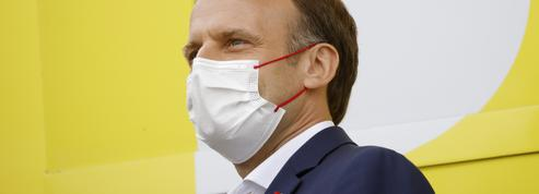 Entre apaisement et fermeté, Macron cherche le bon ton face aux «antivaccins»
