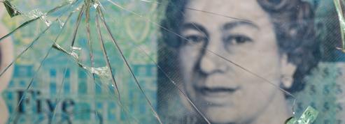 La livre flanche face au dollar dans un marché frileux