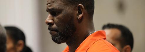 R. Kelly visé par de nouvelles accusations d'abus sur mineur avant l'ouverture de son procès