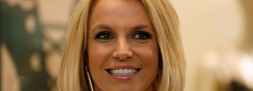 Britney Spears se lance dans la peinture pour oublier ses conflits avec son père