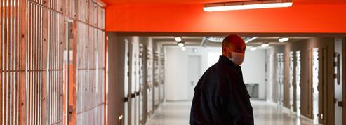 Polémique après la dissolution de l'association d'accompagnement des détenus Genepi