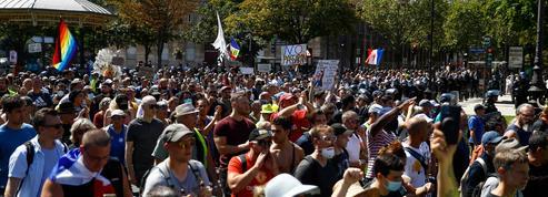 Près de 215.000 manifestants dans toute la France, un chiffre en légère baisse