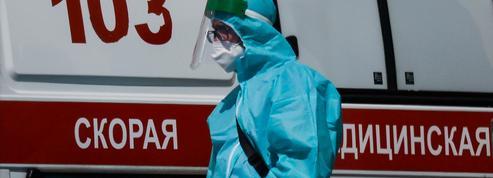 Covid-19 : nouveau record de décès quotidiens en Russie