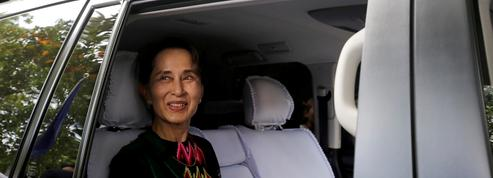 Birmanie: Aung San Suu Kyi absente à la reprise de son procès pour raison de santé