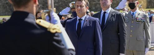 La cote de popularité de Macron et Castex en baisse