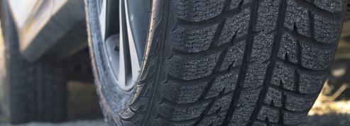 Hiver, neige et verglas : attention, votre véhicule devra bientôt être équipé dans 48 départements