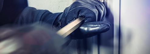 Finistère : un homme menotte son cambrioleur et le fait arrêter