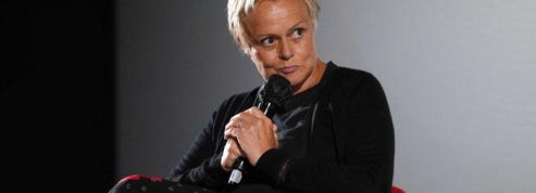 «Si c'était à refaire, je quitterais le métier»: Muriel Robin dresse un bilan amer de sa carrière