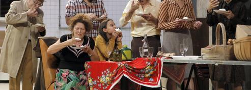 Au Théâtre Gérard Philipe, l'usine en habits de fête pour Huit heures ne font pas un jour