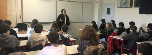 «Il faisait juste son travail» : au collège Saint-Exupéry, les élèves rendent hommage à Samuel Paty