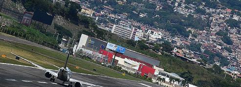 Honduras : un aéroport inauguré pour remplacer l'un des plus dangereux au monde