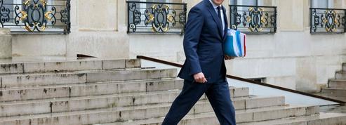 Essence : Le Maire «davantage favorable» à un chèque carburant qu'à une baisse des taxes