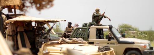 Niger: onze soldats tués dans une embuscade contre le convoi d'un préfet près du Burkina