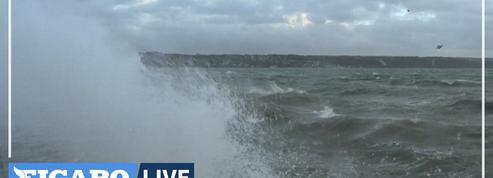 Vents violents : 250.000 foyers privés d'électricité sur la moitié nord du pays, transports perturbés en Île-de-France