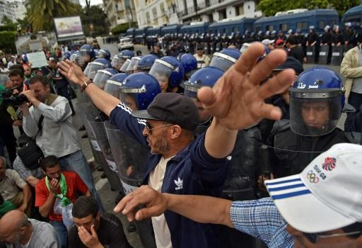 Des arrestations pour le 14e vendredi de manifestations — Algérie