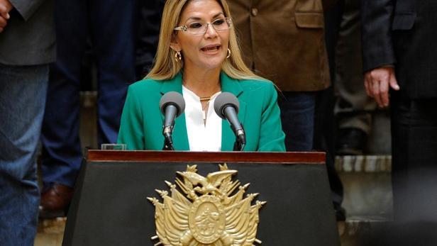 La présidente bolivienne par intérim Jeanine Añez.