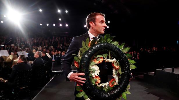 Emmanuel Macron participe à Yad Vashem à Jérusalem le 23 janvier 2020.