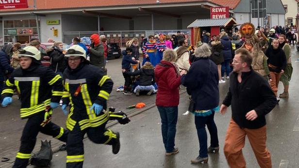L'intervention des pompiers lors du carnaval de Volkmarsen