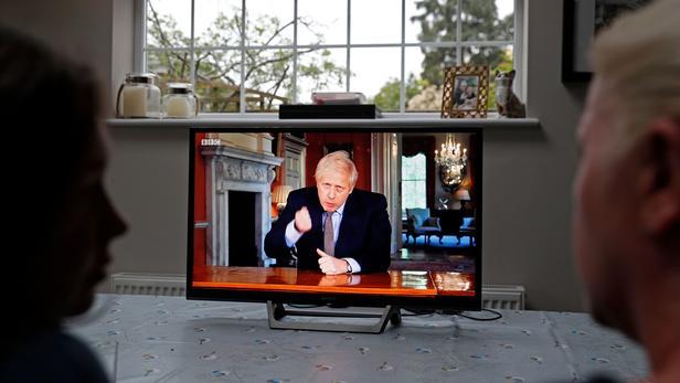 Boris Johnson lors d'un discours à la TV ce dimanche