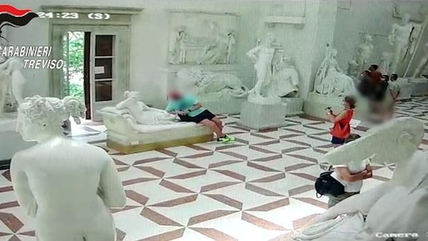 Les carabiniers italiens sont parvenus à identifier le fautif grâce à des images de vidéosurveillance.