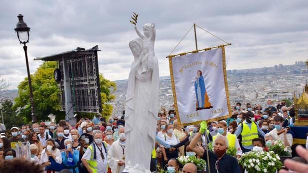 Cette année, la fête de l'Assomption à Paris est marquée par l'arrivée du pèlerinage «M de Marie» qui a traversé la France pendant 3 mois.