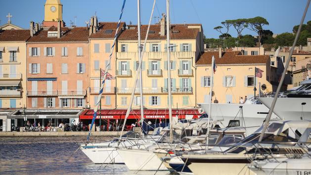 Covid-19 : le célèbre restaurant de Saint-Tropez, Sénéquier, ferme temporairement