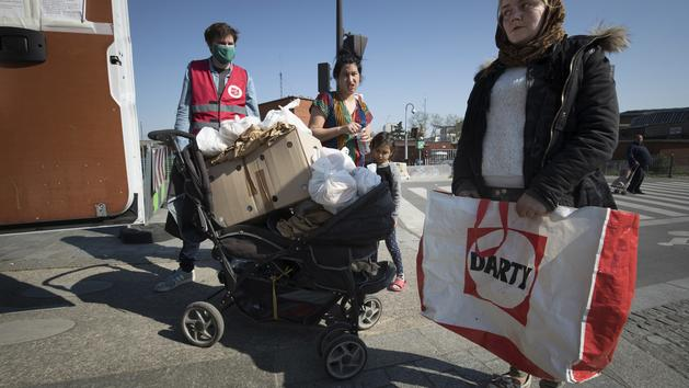 Les Roms vivent 10 ans de moins que les autres Européens, explique une étude