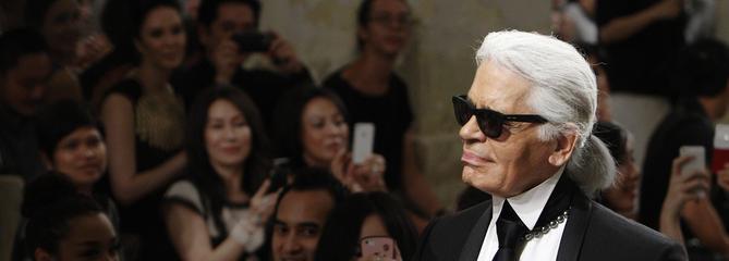 Karl Lagerfeld est mort : la vie et les secrets du couturier emblématique de la mode française